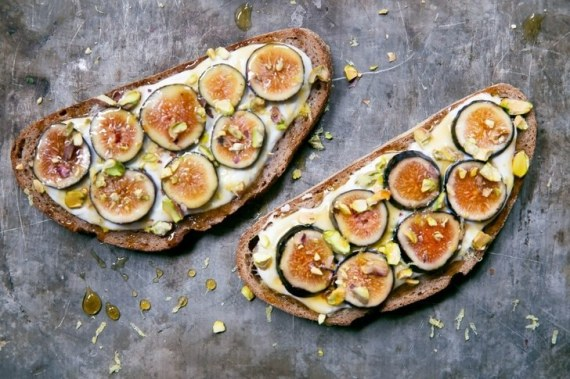 Fig-Honey-and-Cottage-Cheese-Toast-with-Pistachios-3