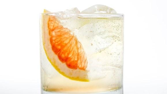 sparkling-grapefruit-cocktail.jpg